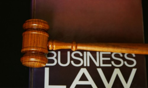 Berbagai Hal Legal Yang Bisa Dimanfaatkan Untuk Perkembangan Bisnis anda